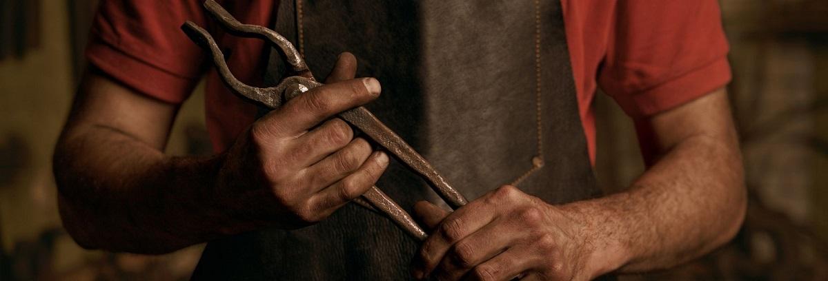 how to buy blacksmithing tongs