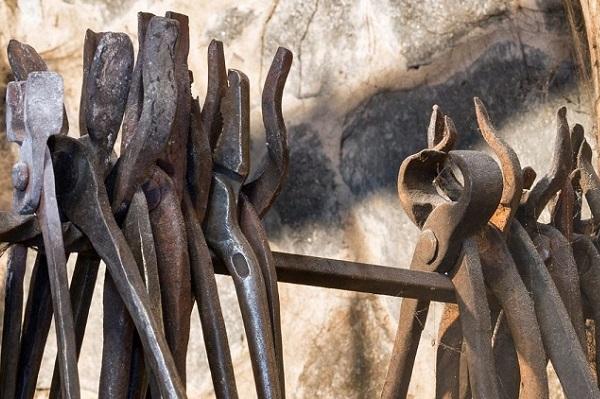 tongs-blacksmith